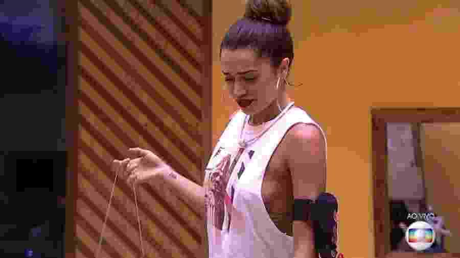 """Paula deu a placa de """"estúpido"""" para Ayrton - Reprodução/Globoplay"""