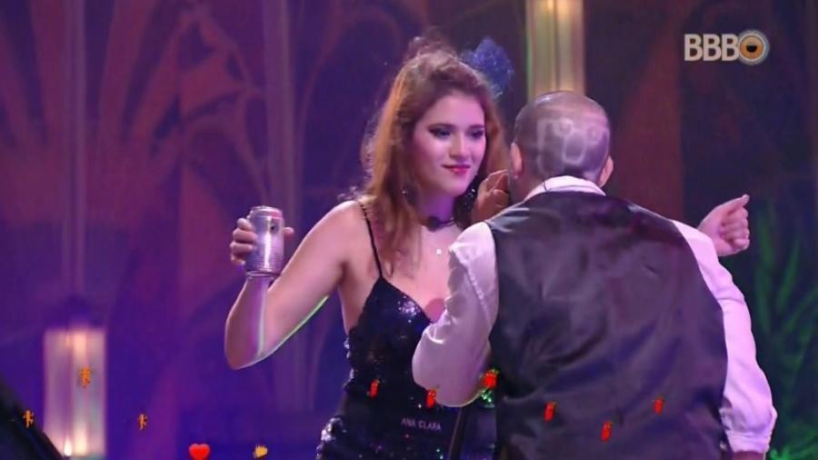 Ana Clara dança com Kaysar  - Reprodução/Globosatplay