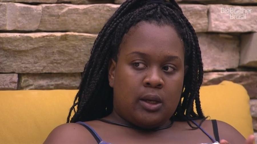 Roberta diz a Emilly que Ieda está jogando com a idade - Reprodução/TVGlobo