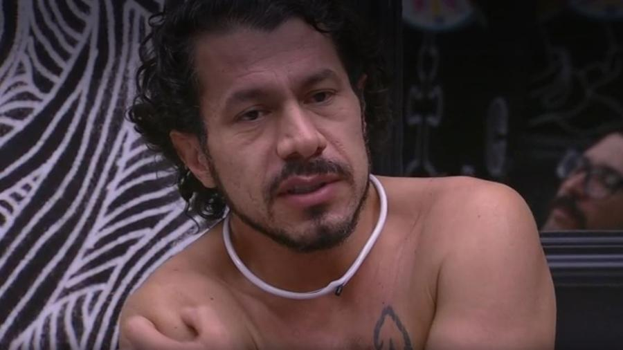 Rômulo não considera casal crível - Reprodução/TV Globo
