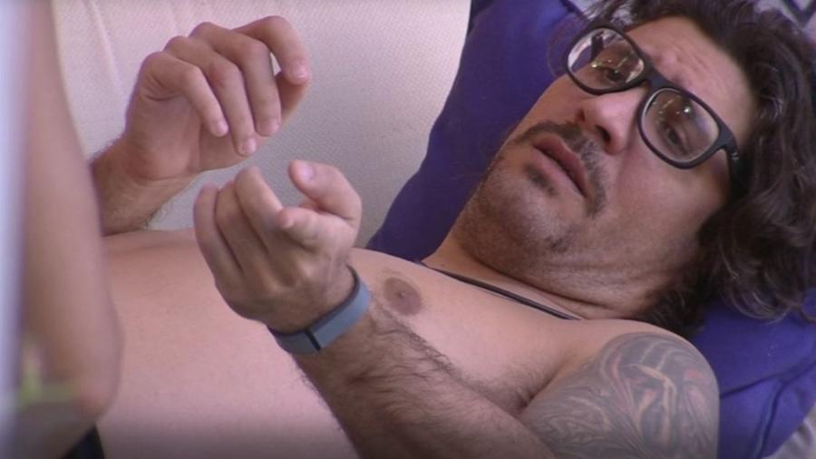 Ilmar acredita que Rômulo busca culpado pela eliminação de Pedro - Reprodução/TVGlobo
