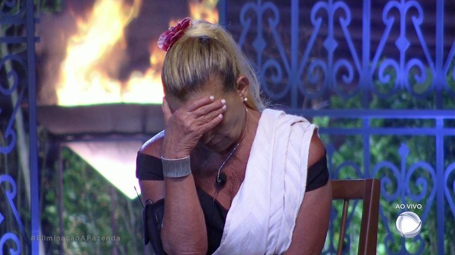 Rita Cadillac aguarda o resultado da décima segunda roça  - Reprodução/Record