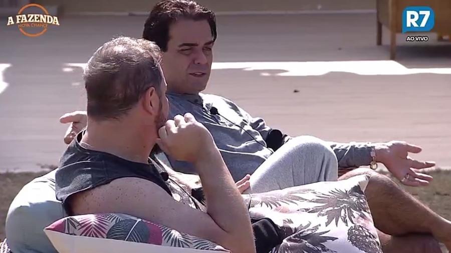 Fábio Arruda e Conrado falam sobre pressão dentro da casa - reprodução/R7