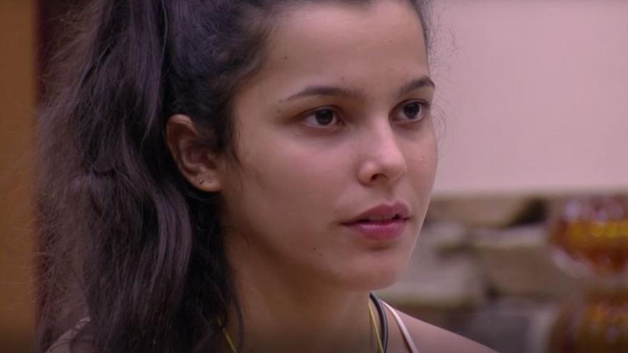 Emilly desconfia do caráter de Ilmar - Reprodução/TVGlobo