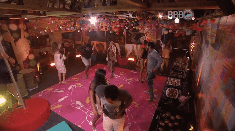 """17.fev.2016 - Brothers aproveitam mais uma festa no """"BBB16"""" - Reprodução/TV Globo"""