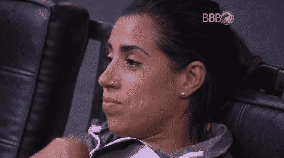"""19.fev.2016 - Adélia comenta sobre Luciana Gimenez e Juliana frisa: """"Eu não aguento ouvir a voz dela"""" - Reprodução/TV Globo"""
