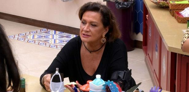 "Ieda reclama de Marcos e Ilmar na cozinha do ""BBB17"""