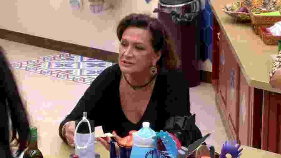 """Ieda reclama de Marcos e Ilmar na cozinha do """"BBB17"""" - Reprodução/TV Globo"""