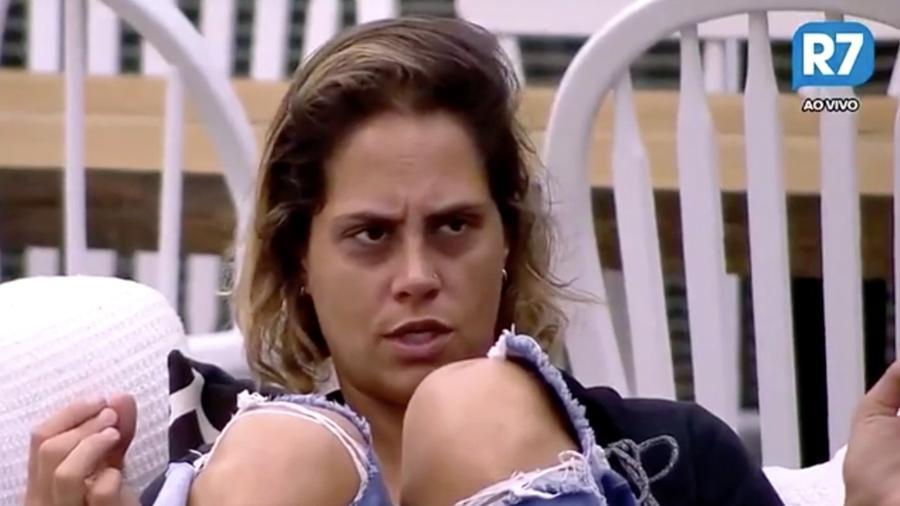 Aritana declara votos em Monick Camargo - Reprodução/R7