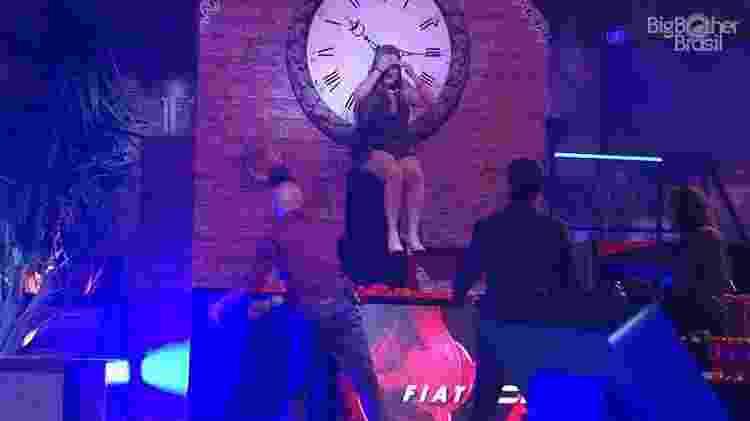 Patricia na festa - Reprodução/GloboPlay - Reprodução/GloboPlay