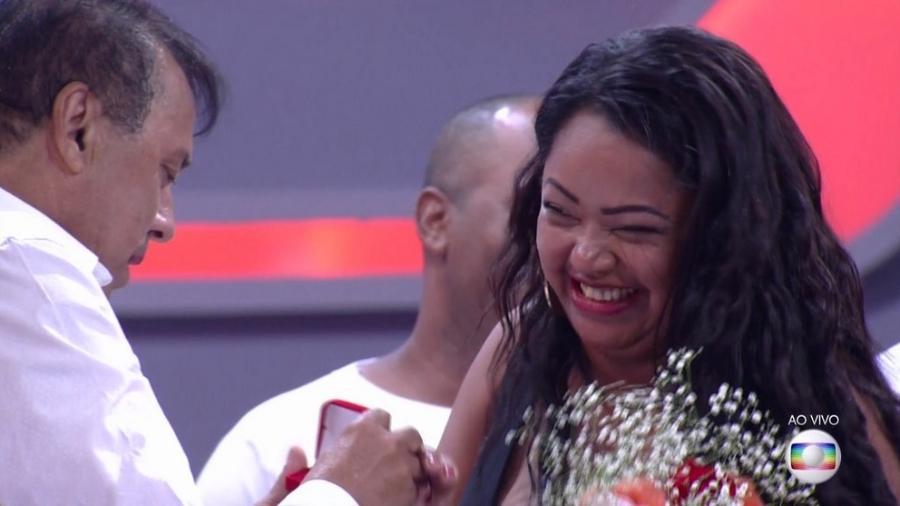 """Elis é pedida em casamento logo após sair do """"BBB17"""" - Reprodução/TV Globo"""