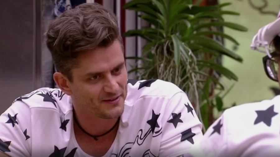 Marcos declara Rômulo como seu inimigo - Reprodução/TV Globo