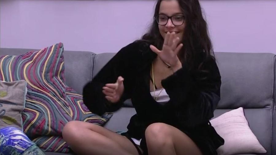 Emilly comemora possibilidade de desempatar votos da casa - Reprodução/TVGlobo