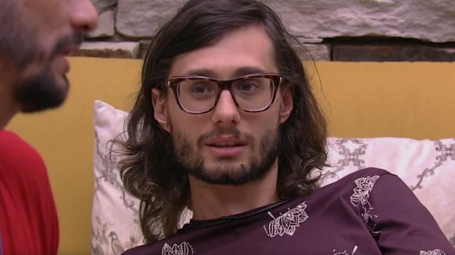 Pedro fala sobre postura de Vivian no jogo - Do UOL, em São Paulo