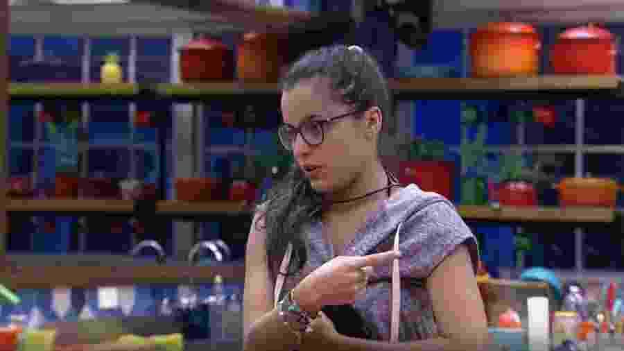 Emilly diz que Vivian foi muito mais homem que Marcos - ReproduçãoqTV Globo