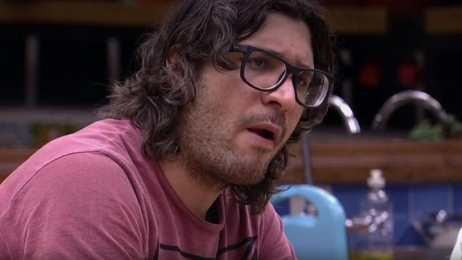 Ilmar diz que pai de Emilly deve sentir vergonha dela - Reprodução/TV Globo