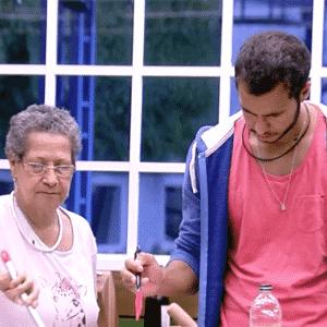 """24.fev.2016 - Geralda de desentende com Matheus pela manhã no """"BBB16"""" - Reprodução/TV Globo"""