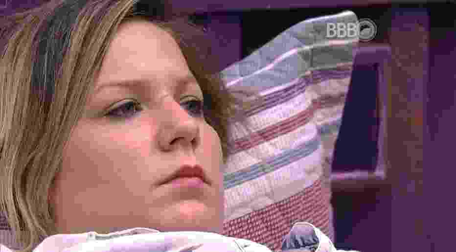 """15.mar.2016 - Maria Claudia fala sobre Geralda para Renan: """"Espero que ela saia"""" - Reprodução/TV Globo"""