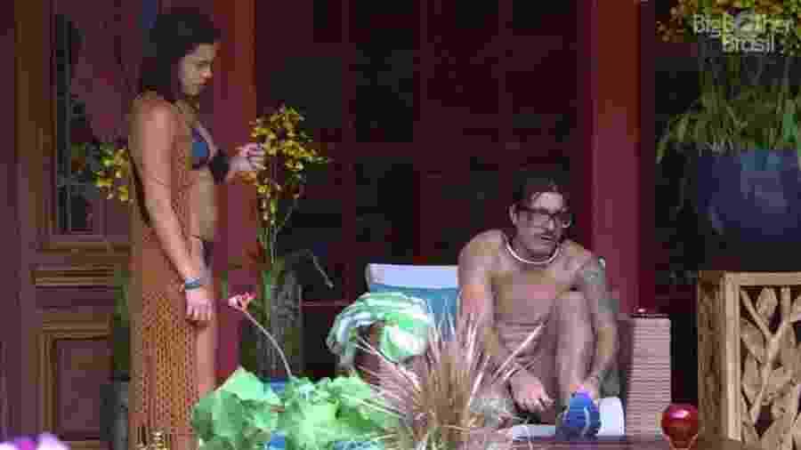 """Emilly se queixa de Marcos: """"Vai ficar rouco de tanto falar"""" - Reprodução/ TV Globo"""