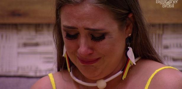 Patricia se emociona após saída de Ana Paula