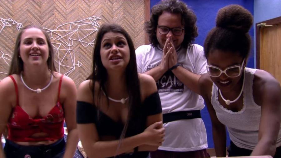 Diego chama sisters para conhecer o bangalô do líder - Reprodução/GloboPlay