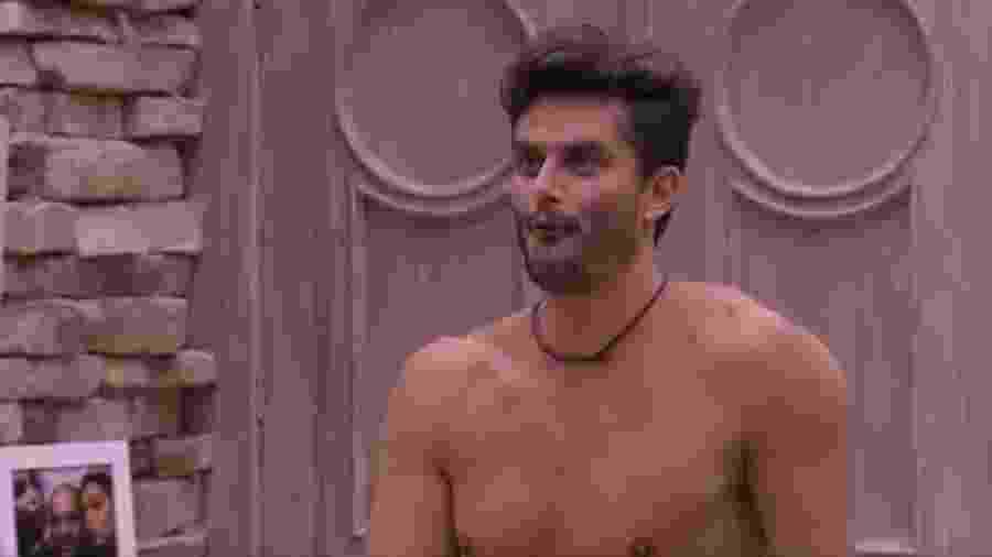 Marcos tira sarro da magreza de Daniel - Reprodução/Tv Globo