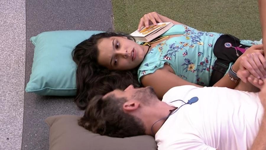 Emilly diz para Marcos que não transa apenas por prazer - Reprodução/TV Globo