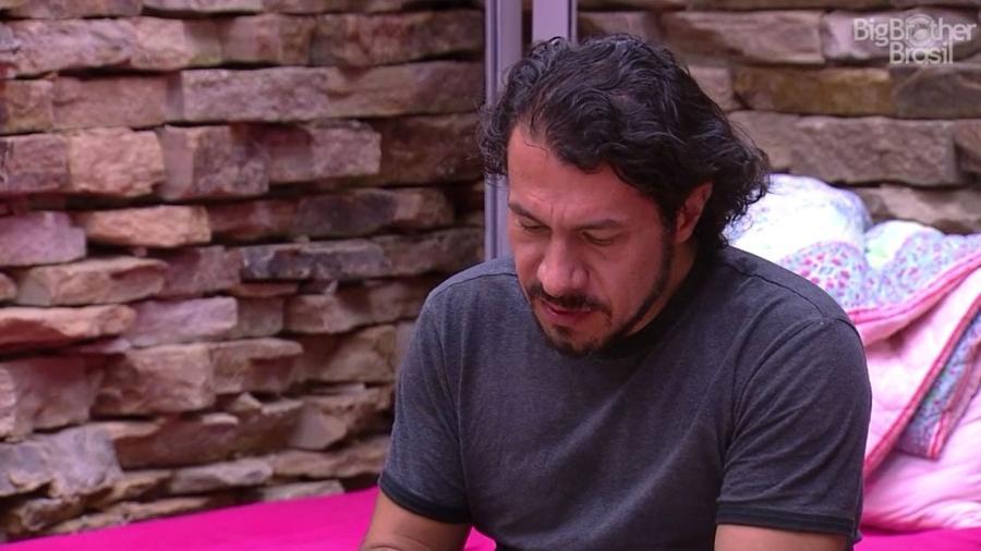 "Rômulo reclama de ter trocado de lado no ""BBB17"" - Reprodução/TV Globo"