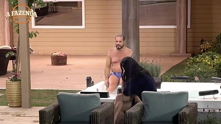 """Conrado e Monique Amin falam sobre o relacionamento entre Ana Paula e Marcos em """"A Fazenda"""" - Reprodução/R7"""