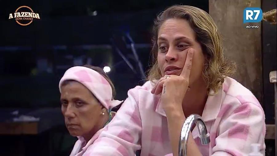 """Aritana revela que não pode falar o que pensa sobre Marcos Harter em """"A Fazenda 9"""" - Reprodução/R7"""