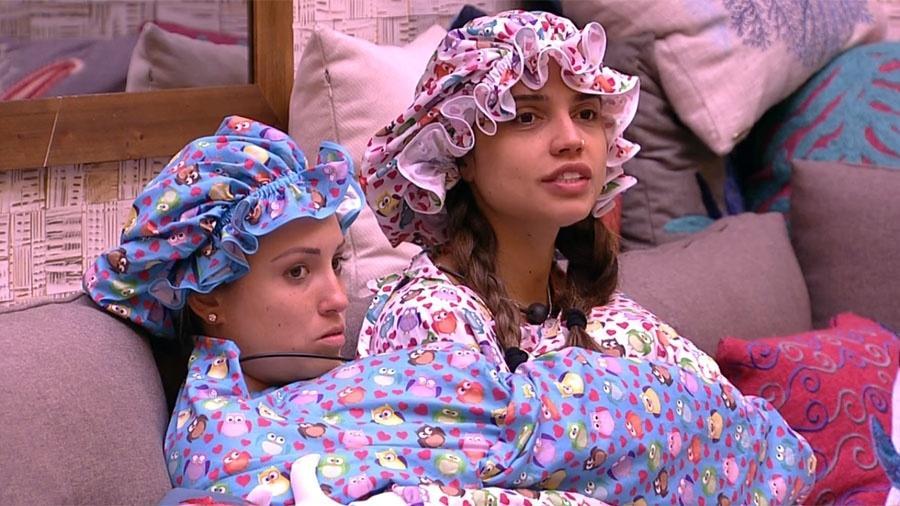 Jéssica e Paula usam fantasia do castigo do monstro - Reprodução/GloboPlay