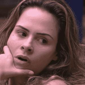 """24.fev.2016 - Ana Paula está preocupada de ir para o próximo paredão com Ronan no """"BBB16"""" - Reprodução/TV Globo"""