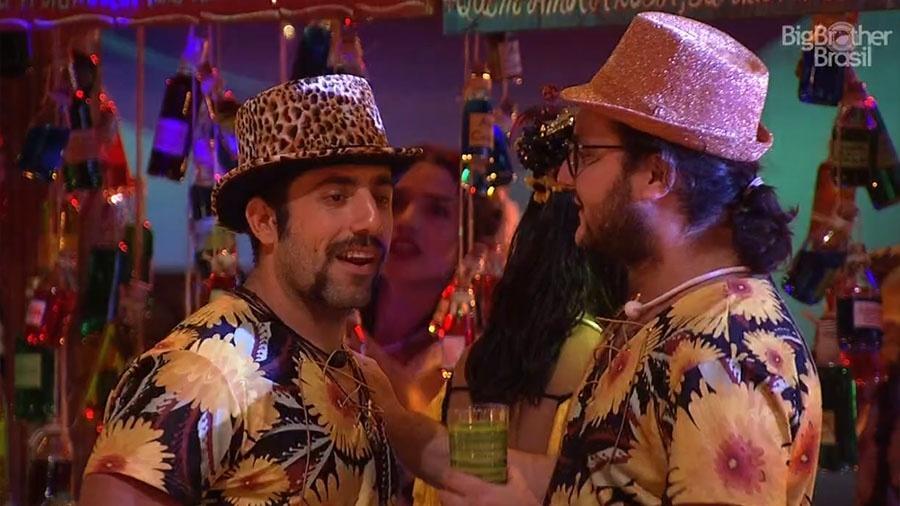 "Kaysar conversa com Diego na festa ""Brega"" - Reprodução/GloboPlay"