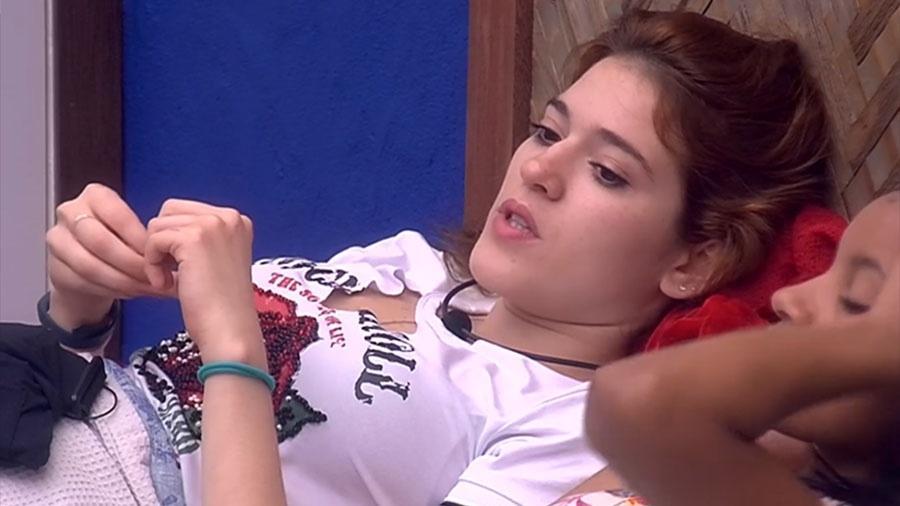 """Ana Clara conversa com brothers no bangalô do líder do """"BBB18"""" - Reprodução/GloboPlay"""