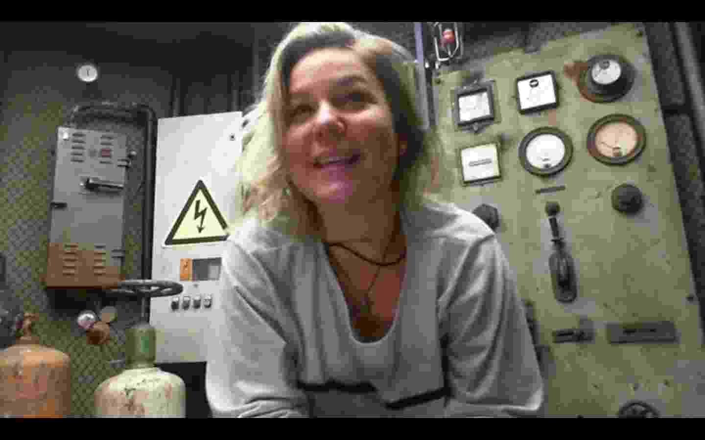 """5.fev.2016 - No Raio-X do """"BBB16"""", Maria Claudia pede desculpas por ter causado a interrupção da prova do líder - Reprodução/Globo"""