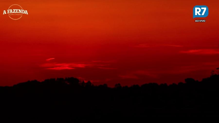 """Pôr do sol em em """"A Fazenda 9""""  - Reprodução/R7"""