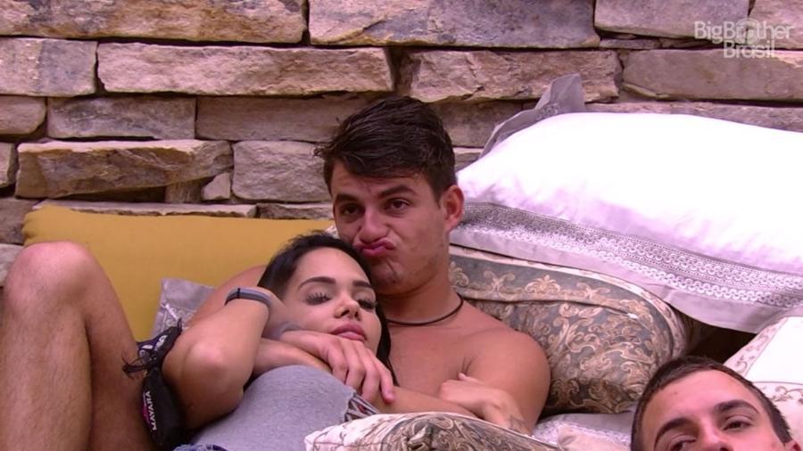 """Antônio brinca sobre """"cama do sexo"""" - Reprodução/TV Globo"""