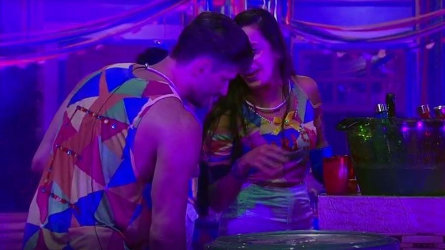 Marcos e Emilly: Vai ou não vai? - Reprodução/TVGlobo