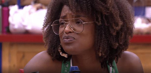 """Nayara conversa com Patrícia na cozinha do """"BBB18"""""""
