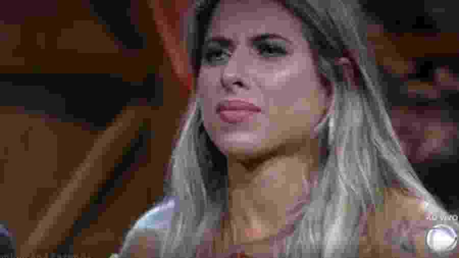Ana Paula Minerato após o anúncio de sua eliminação - Reprodução/R7