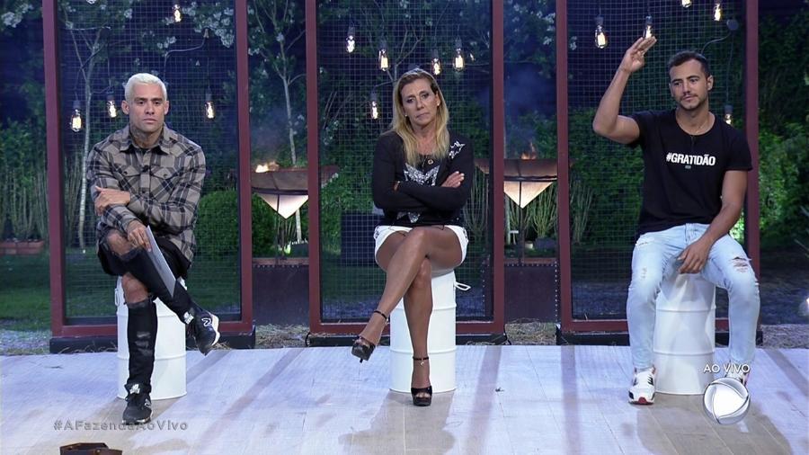 """Yuri, Rita Cadillac e Matheus formam a décima primeira roça de """"A Fazenda 9"""" - Reprodução/Record"""