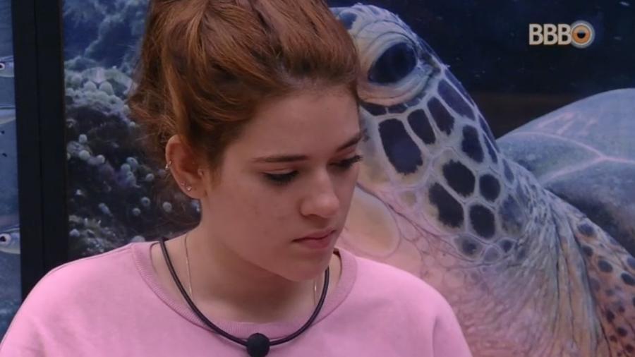 Ana Clara lamenta estar no paredão ao lado do pai - Reprodução/Globoplay