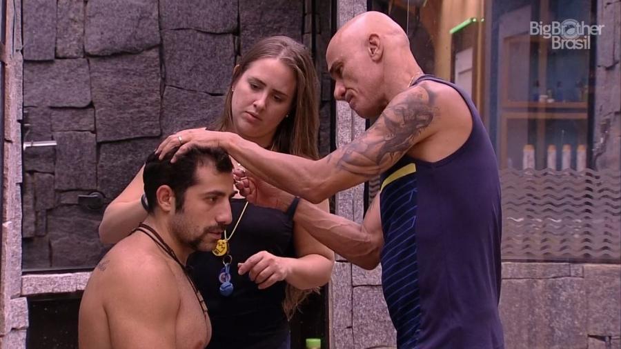 Kaysar raspa lateral do cabelo - Reprodução/GloboPlay
