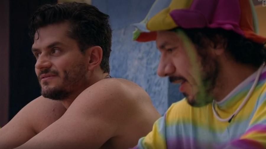 Marcos e Rômulo falam sobre Emilly - Reprodução/TV Globo