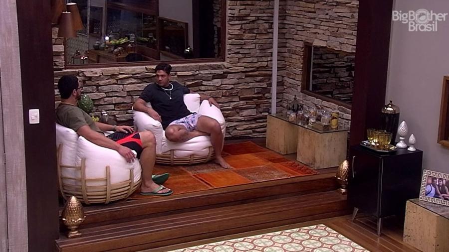 Luiz Felipe e Daniel montam estratégia para próximo paredão - Reprodução/TV Globo