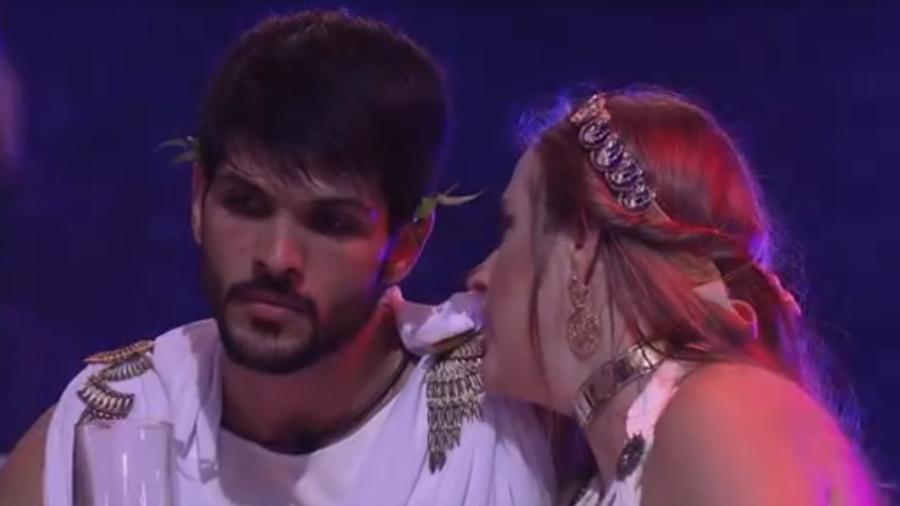Lucas conversa sobre paredão com Patrícia  - Reprodução/Tv Globo