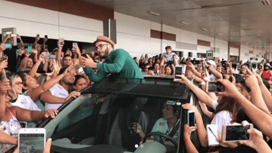 Mahmoud é recebido por multidão em aeroporto de Porto Velho - Reprodução/Instagram