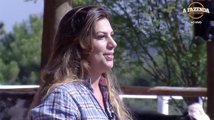 Zootecnista Fernanda faz tour pela fazenda para apresentar os animais e tarefas aos peões. - Reprodução/Record