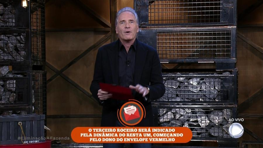 """Flávia Viana se prepara para ouvir o resultado da sétima roça de """"A Fazenda 9"""" - Reprodução/Record"""