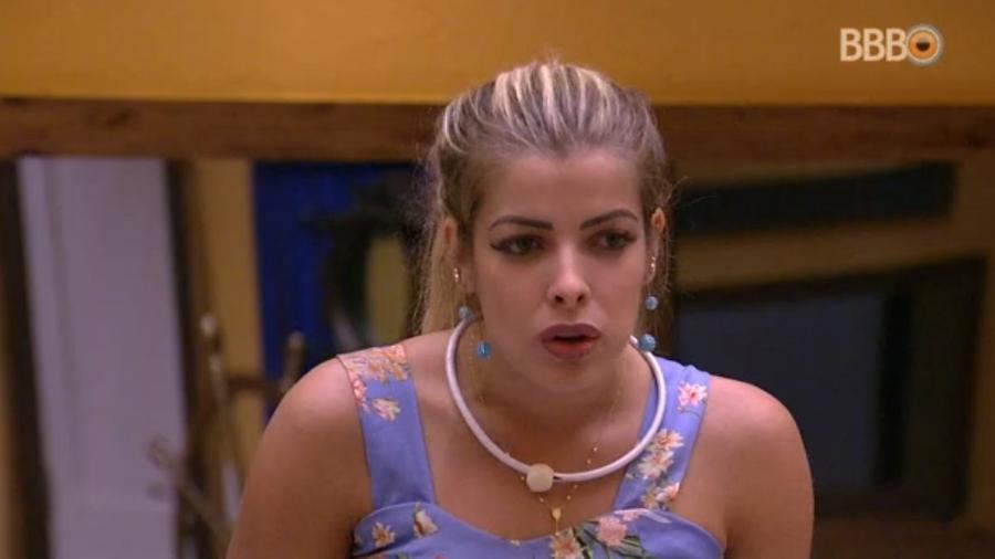Jaqueline se revolta ao saber que Mahmoud a chamou de falsa - Reprodução/Globoplay